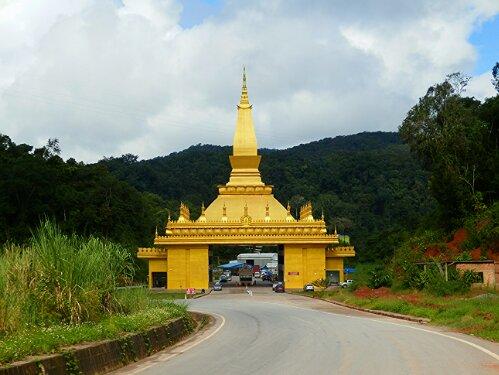 I Laotańska strona granicy